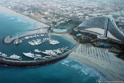 Die Aussicht auf das Jumeirah Beach Hotel