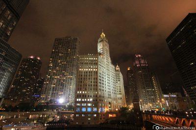 Die Skyline von Chicago in der Nacht