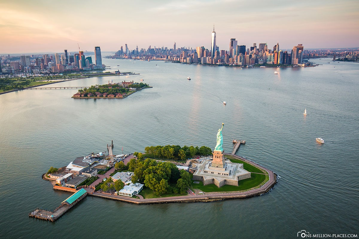 Liberty Island, Ellis Island & Manhattan, New York City, USA, UNESCO World Heritage, Day Trip, Travel Report