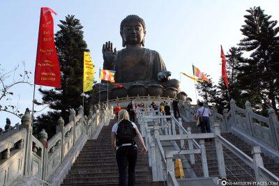 Der Weg zur Statue