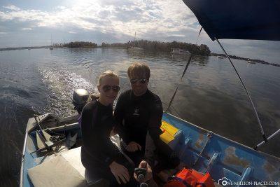 Mit dem Boot in der Kings Bay