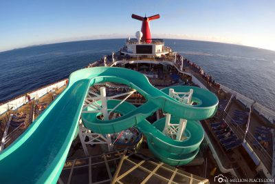The upper deck with water slide