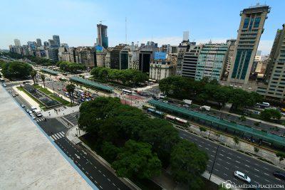 The Avenido 9 de Julio in Buenos Aires