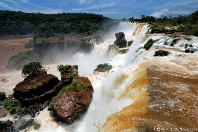 The waterfalls on the Argentine side