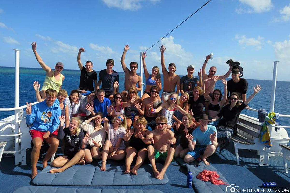 Group, Diving Cruise, Great Barrier Reef, Pro Dive Cairns, Australia, State of Queensland, Travel Report