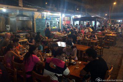 Die Food-Street in Puerto Ayora