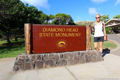 The entrance to diamond head state monument