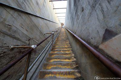 Die letzten Stufen zum Diamond Head