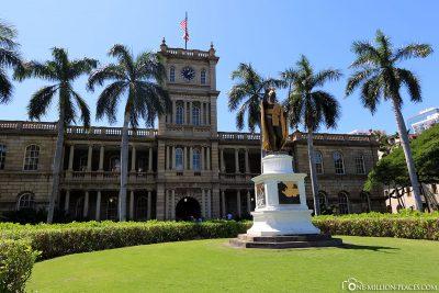 Die King Kamehameha Statue