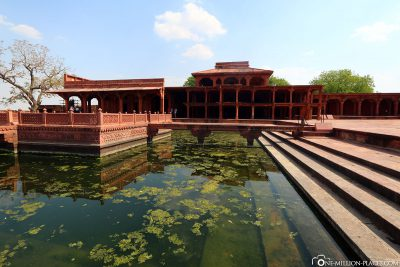 Courtyard of Daulat Khana