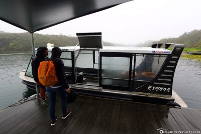 The boat to translate to the other side of the river