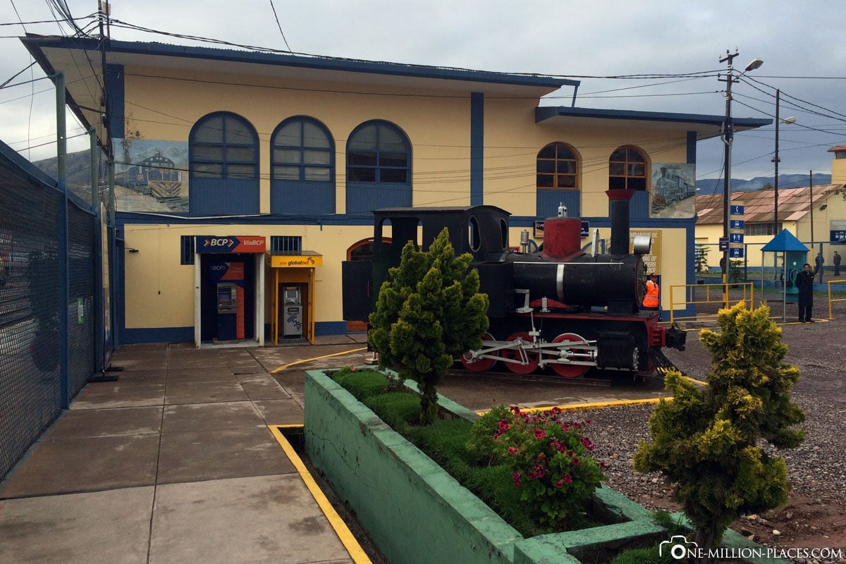 Bus station Wanchaq, train, Cusco to Aguas Calientes, Vistadom train, Peru, South America, On your own, travel report