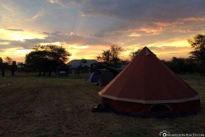 Der Sonnenuntergang am Camp