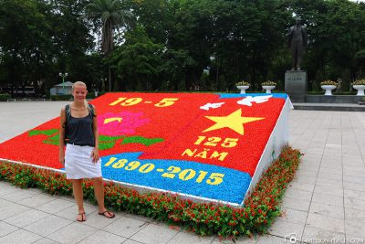 Flower memorial plaque for the 125th anniversary Ho Chi Minh's Birthday