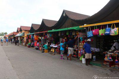 Marktstände an der Strandpromenade