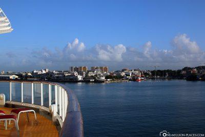 Einfahrt in den Hafen von Pointe-à-Pitre