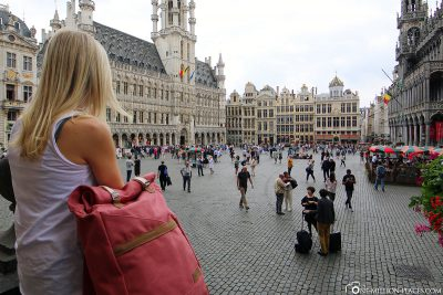 With our Melawear backpack at the Grand Place