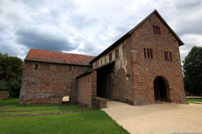 Die Einhardsbasilika bei Michelstadt