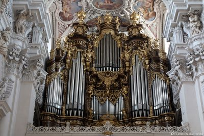 The world's largest cathedral organ