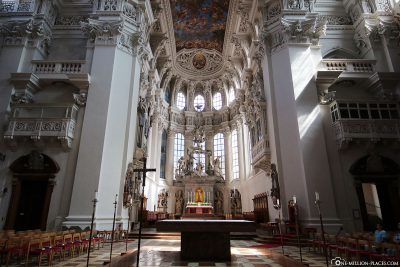The central nave of St. Stephen's Cathedral