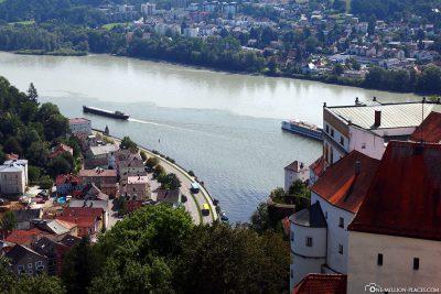 Blick auf das Dreiflüsseeck in Passau