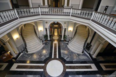 The foyer of Aliiolani Hale