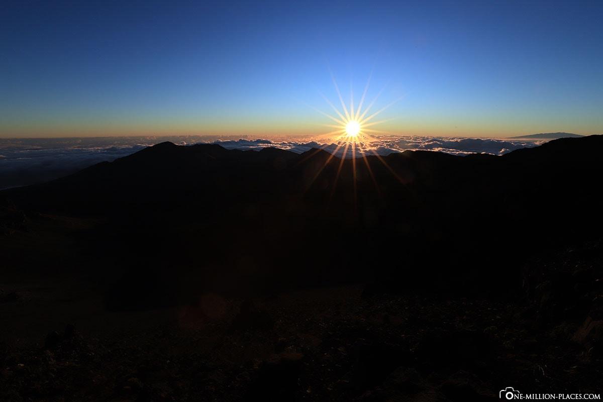 Sonnenaufgang am Heleakala, Puu Ulaula Summit, Red Hill, Bester Platz, , Haleakala Nationalpark, Maui, Hawaii, USA, Reisebericht