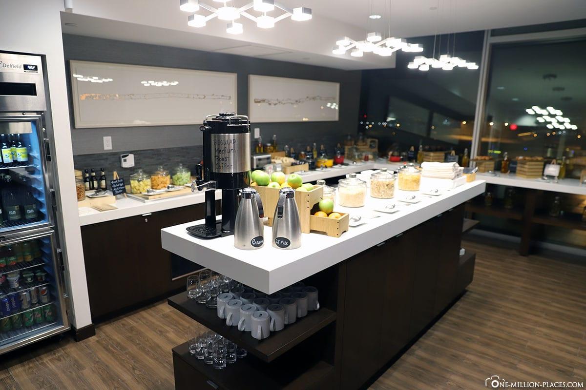 Concierge Lounge, Calgary Airport Marriott In-Terminal Hotel, Canada