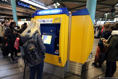 Ticket office for the train at Schiphol Plaza
