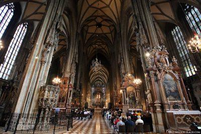 Das Mittelschiff des Stephansdoms