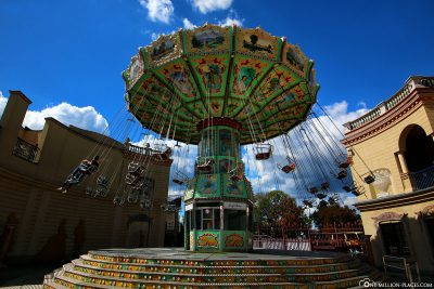 Chain carousel