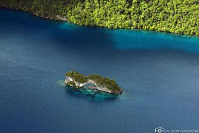 Die Natural Bridge in Palau
