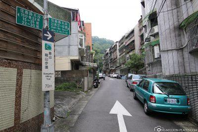 The way to Elephant Mountain