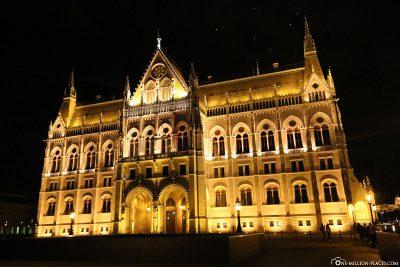 Die Südseite des Parlamentsgebäudes