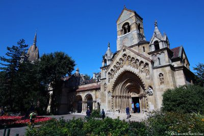 The chapel in the castle courtyard