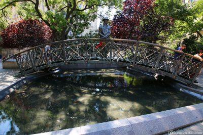 Statue of Imre Nagy