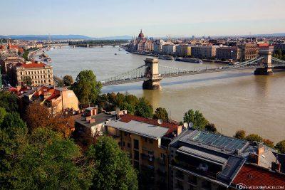 Blick auf die Donau vom Burgpalast