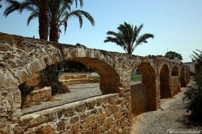 Ein altes Aquädukt