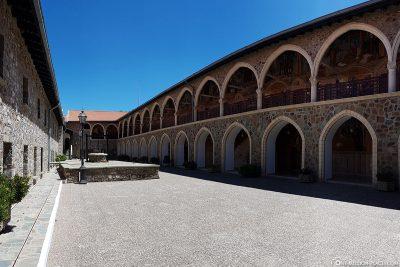 Innenhof des Klosters Kykkos
