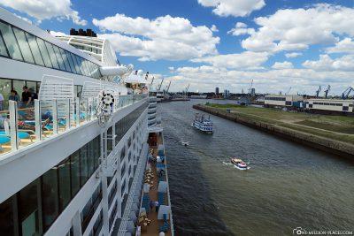 The AIDAperla at the Hamburg Cruise Center Steinwerder