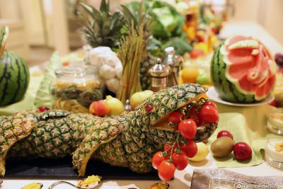 Fruit & Vegetable Carvings - A Crocodile from Pineapple