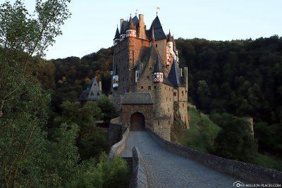 Eingang zur Burg Eltz