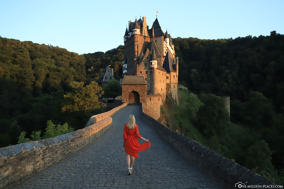 Red dress, Eltz Castle, High Castle, Rhineland Palatinate Attractions, Eltz Valley, Fortifications, Germany