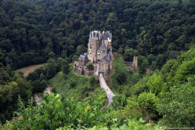 The Eltz castle early On Saturday morning