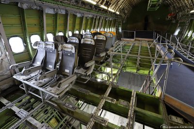 The interior of the Boeing 747 at the Technik Museum
