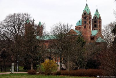 The cathedral of Speyer with the cathedral garden
