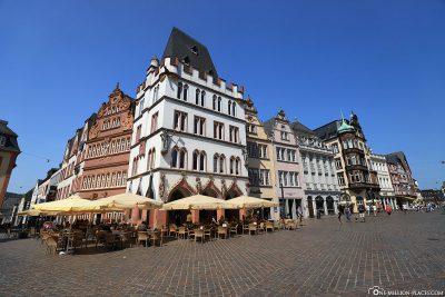 Die Steipe, ein gotisches Eckgebäude auf dem Hauptmarkt