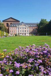 Der schöne Palastgarten