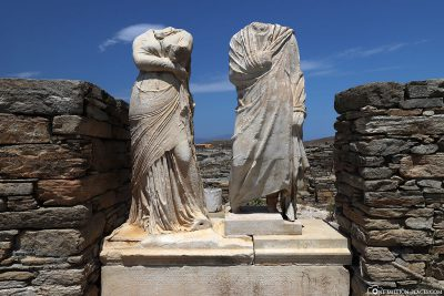 Statues of Cleopatra and her husband Dioskurides