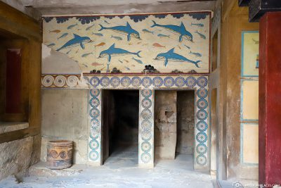 Reconstructed mural in Knossos